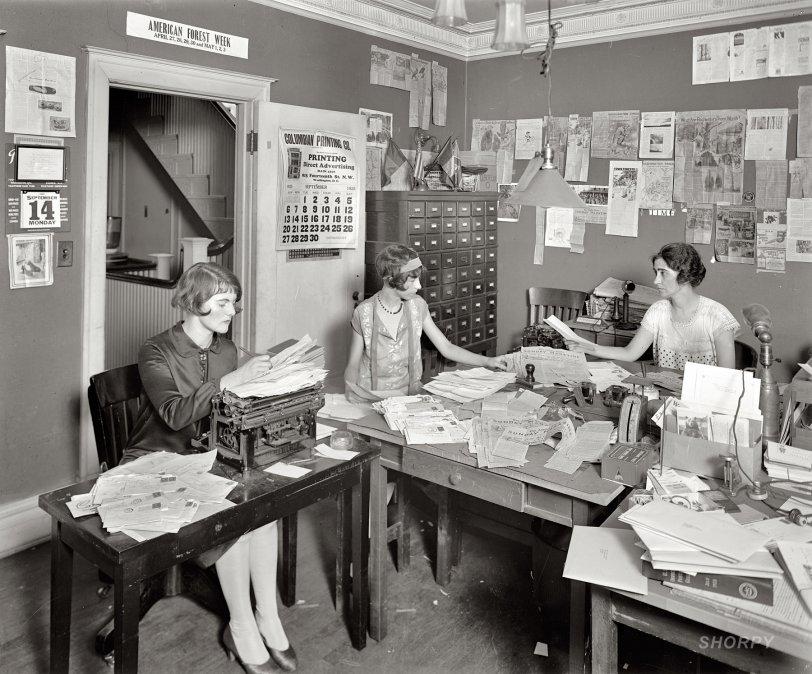 Office Girls: 1925