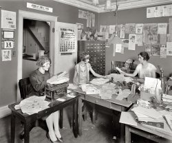 Office Girls: 1925