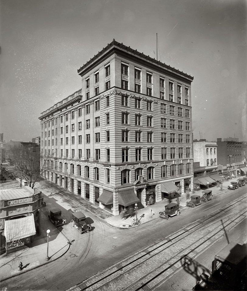 Streetscape: 1923