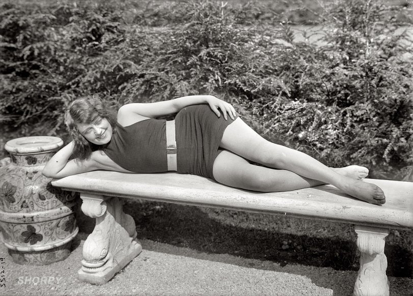 Valentine Lounging: 1920