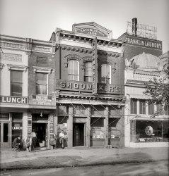 Shoo's: 1917