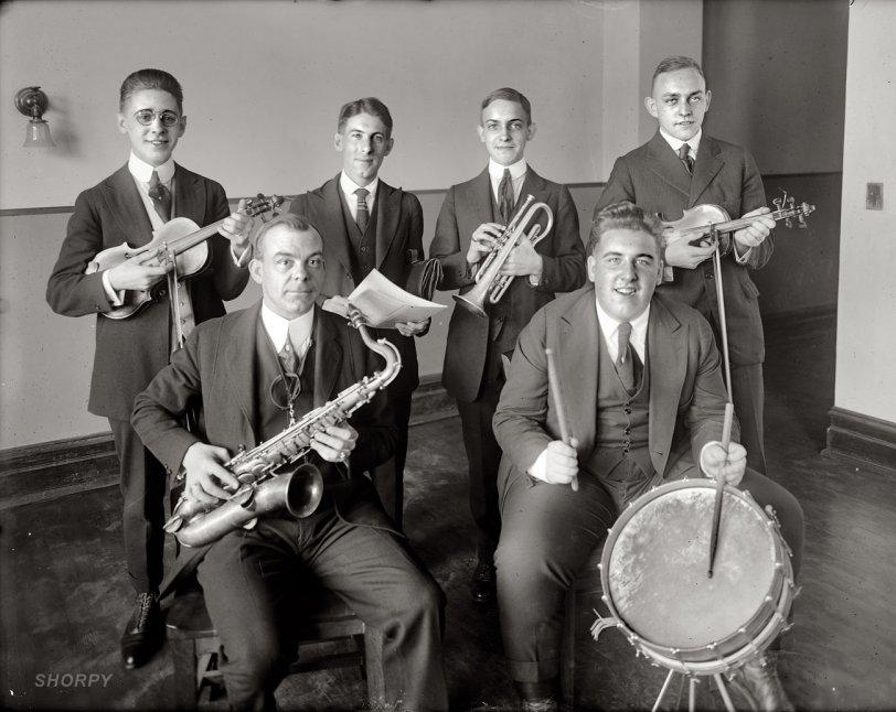 Jazz Cats: 1925