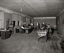 Learning Radio: 1921