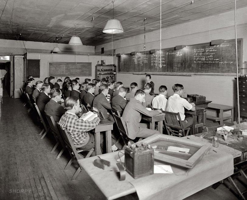 Radio School: 1921