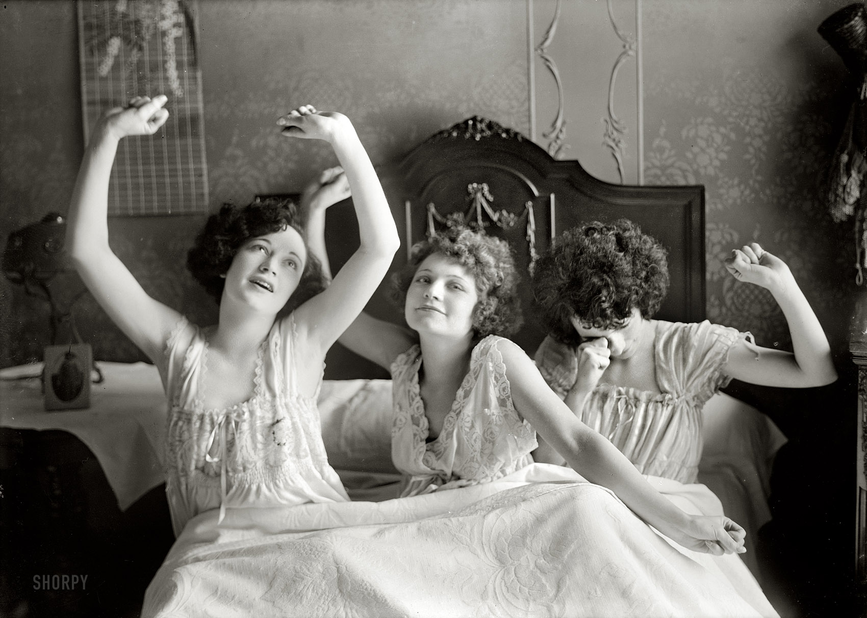 Shorpy Historic Picture Archive :: Sister Act: 1923 high-resolution photo