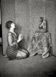 Cult Figure: 1922