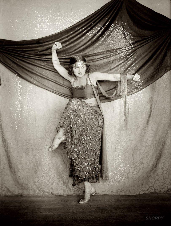 Gypsy Dance: 1915