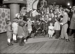 Santa's Little Helper: 1924