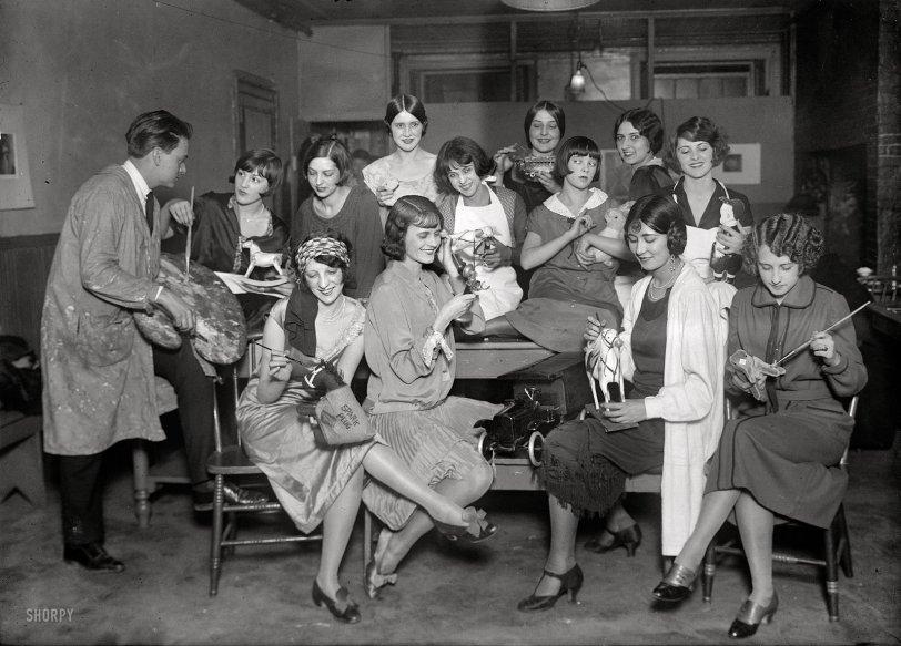 Santa's Helpers: 1924