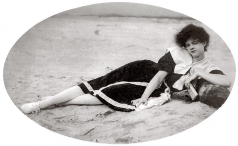 Bathing Beauty: 1910