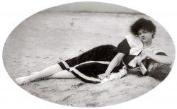 Bathing Beauty: 1910