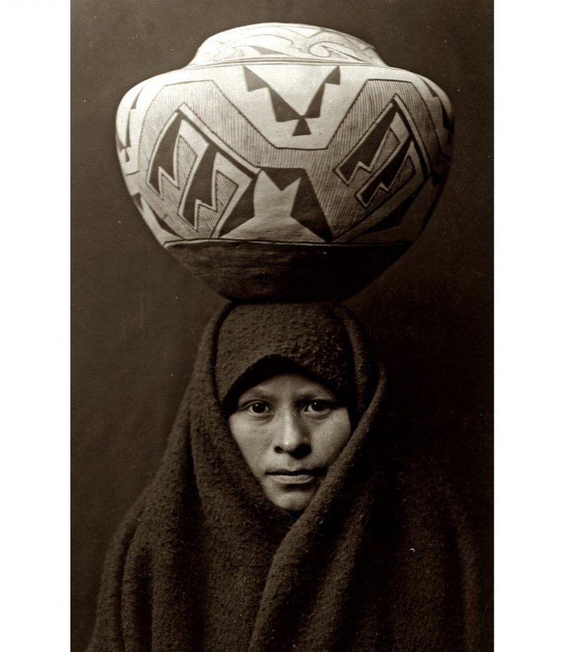 Zuni Girl: c. 1903