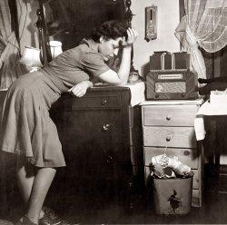 Murder on the Radio: 1943