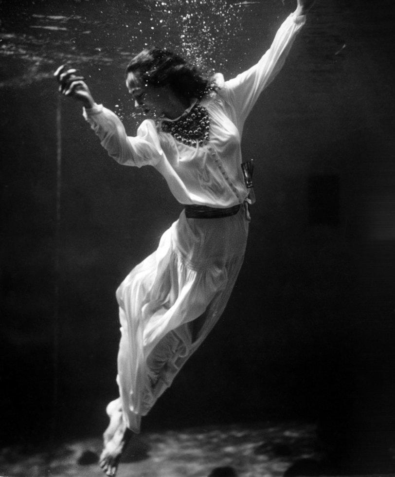 Mermaid: 1939
