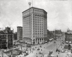 Moonlight Tower: 1899