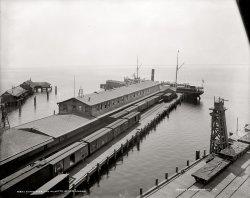 Tampa Pier: 1900