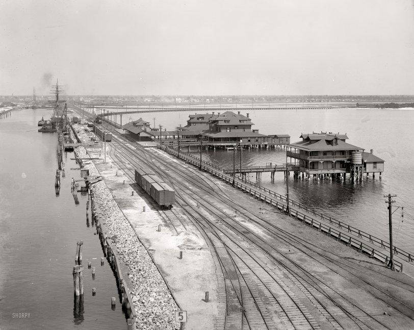 Port Tampa Wharf: 1900