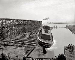 Flying Boat: 1900