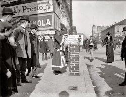 Broadway Santa: 1902