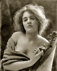 Thisbe: 1900