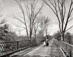 The Stroll: 1900