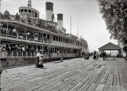 Tashmoo at the Dock: 1900