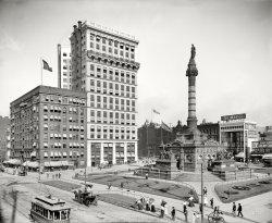 Public Square: 1900