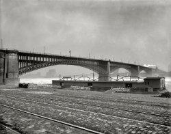 Eads Bridge: 1901