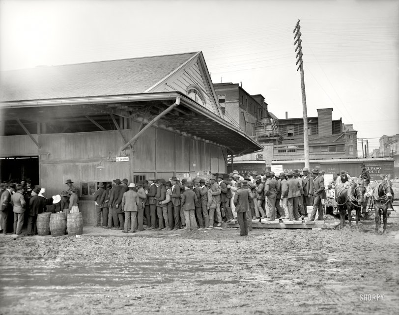 Payday on the Levee: 1906
