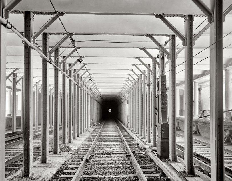 Down Under: 1904