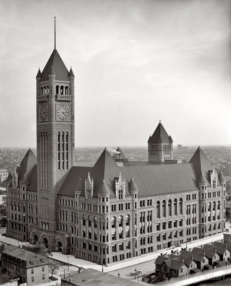 City Hall: 1905