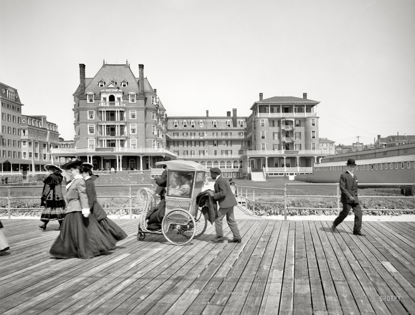 The Dennis: 1905
