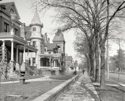 Gingerbread House: 1906