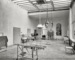 Cutting Room: 1900