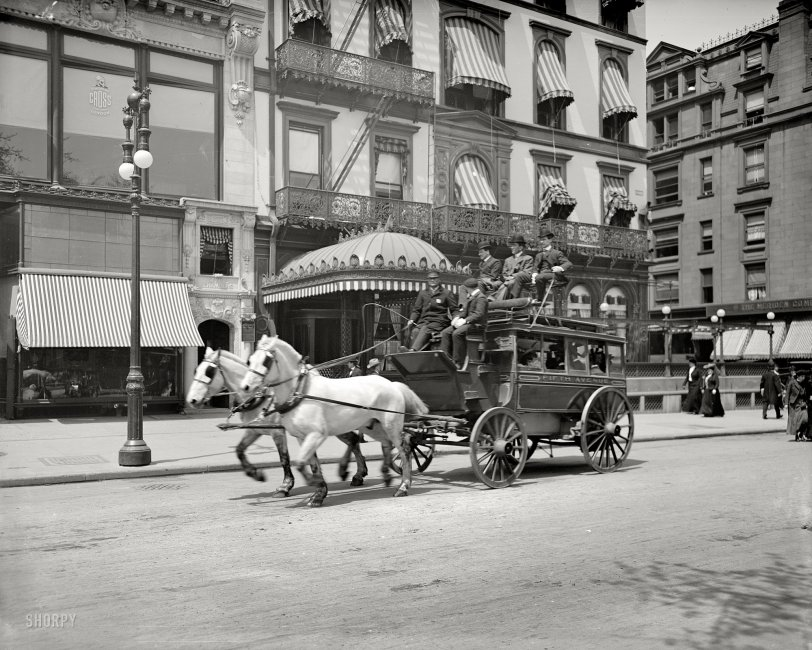 Fifth Avenue Stage: 1900