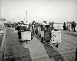 A Fast Crowd: 1905