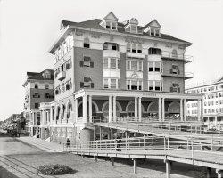 Hotel St. Charles: 1910
