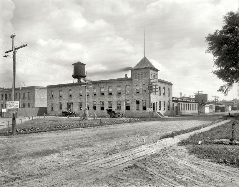 Olds Motor Works: 1908