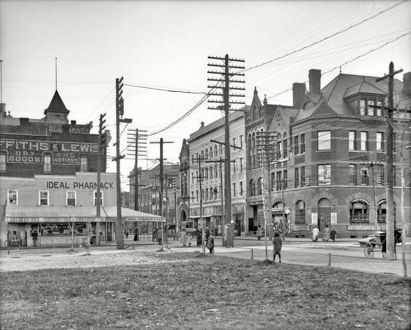 Wash Ave: 1905