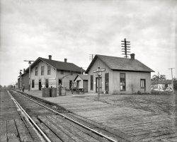 Chenoa Depot: 1905