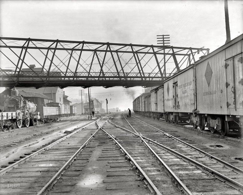 Bloomington Yards: 1900