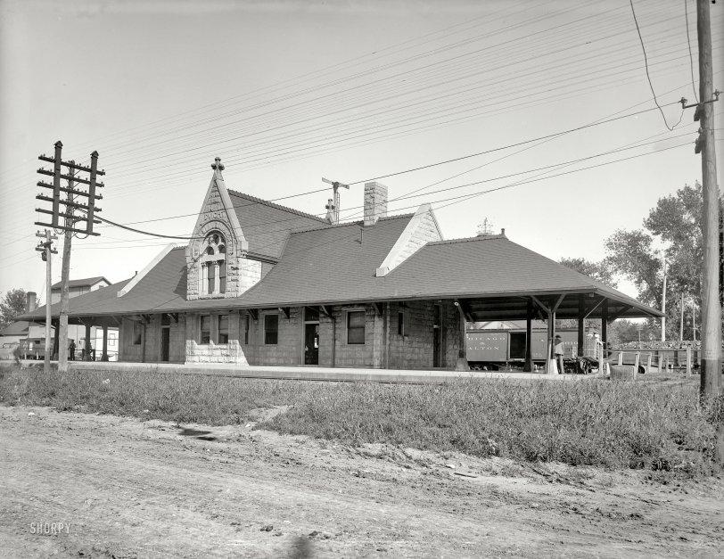Dwight Depot: 1900