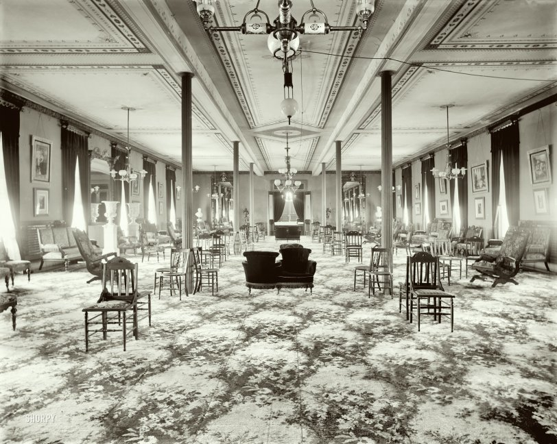 The Sitting Room: 1905