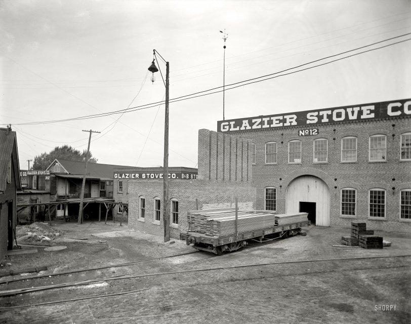 Glazier Stove Works: 1901