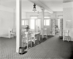 Ladies Lounge: 1915