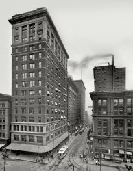 Walnut Street: 1910
