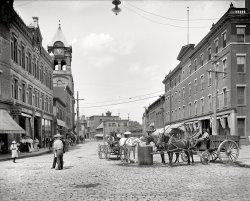 Filling Station: 1907