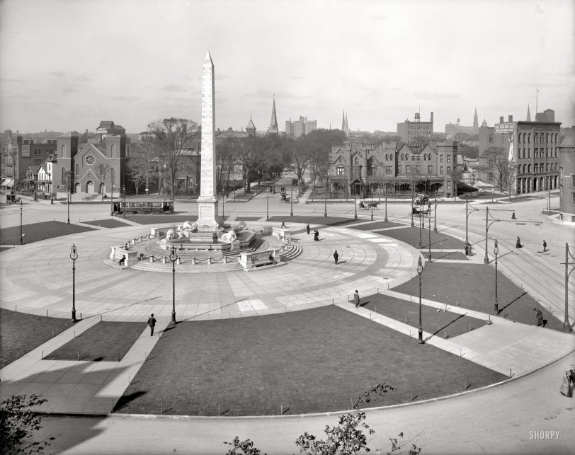 Circle in the Square: 1908