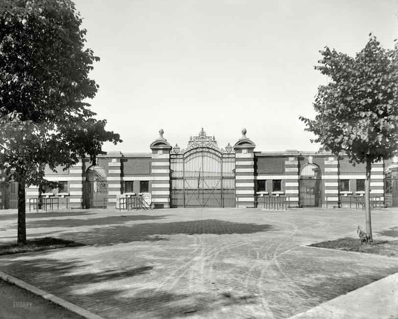 Ferry Field: 1909