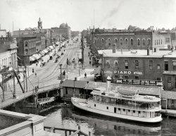 Huron Street: 1910